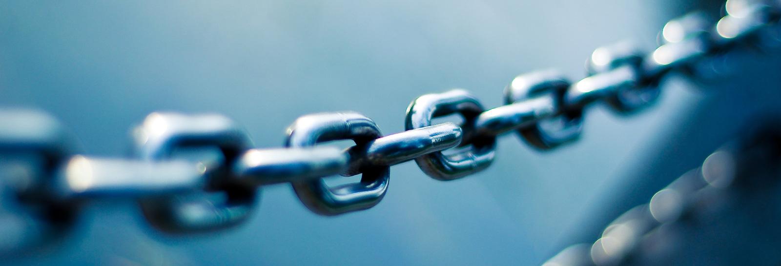 a closeup shot of a metal chain